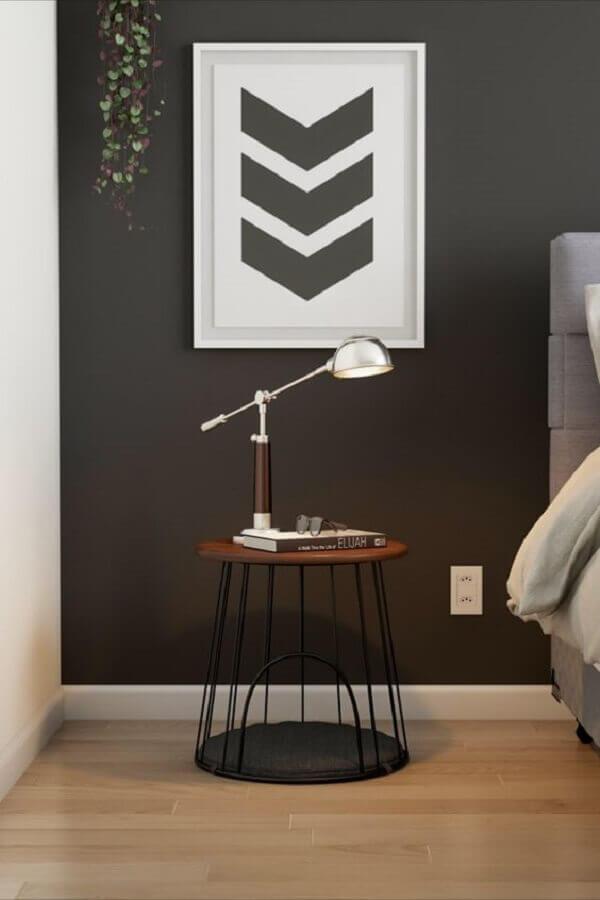 design moderno de mesa de canto redonda preta Foto Mobly