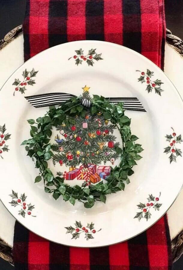 Christmas table ornament with Christmas tree theme plate Photo Christmas Glitter