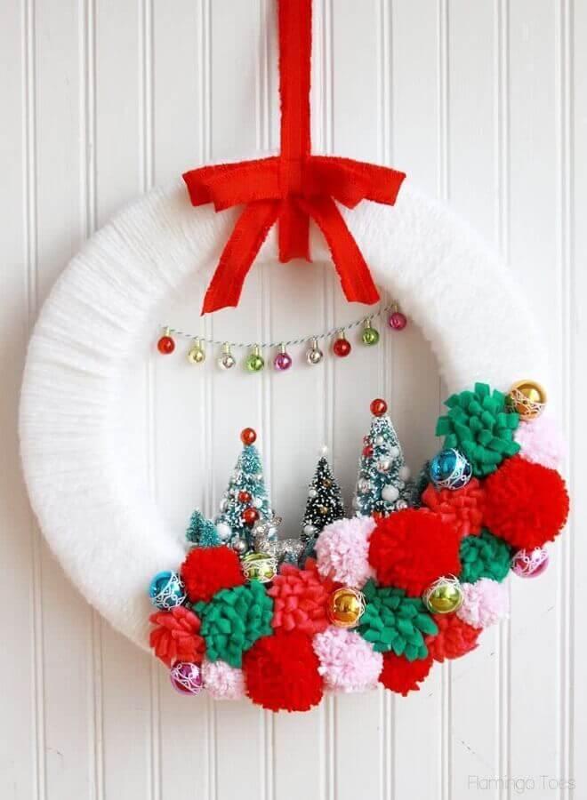 enfeite natalino para porta com guirlanda artesanal branca Foto Christmas Glitter