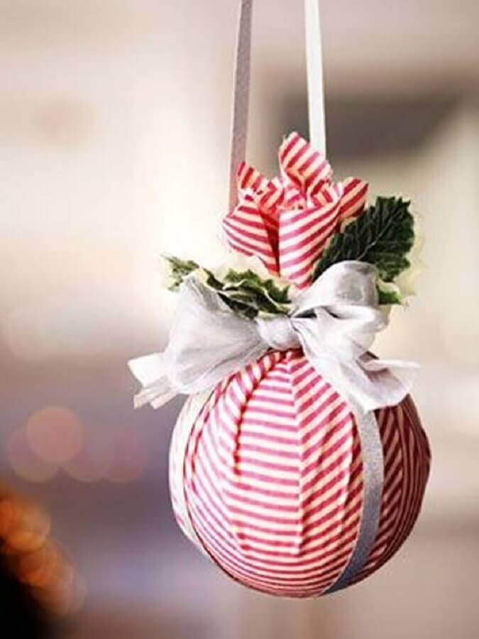 Christmas decorations handcrafted with ball for Christmas tree decorated with fabric Photo Tips for Women