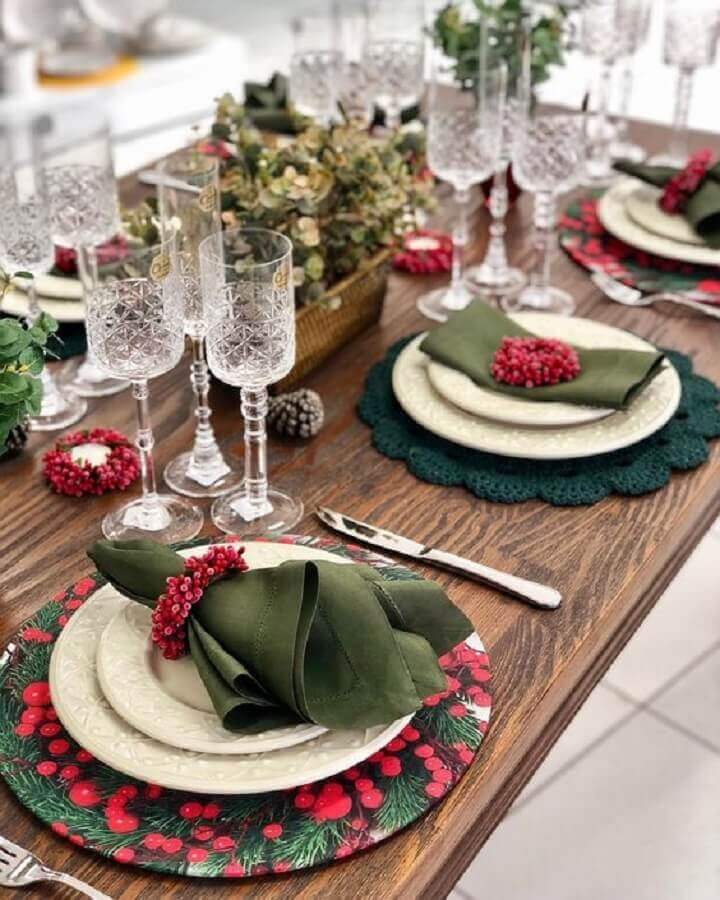 Christmas table decorations with traditional decoration Photo Tips for Women