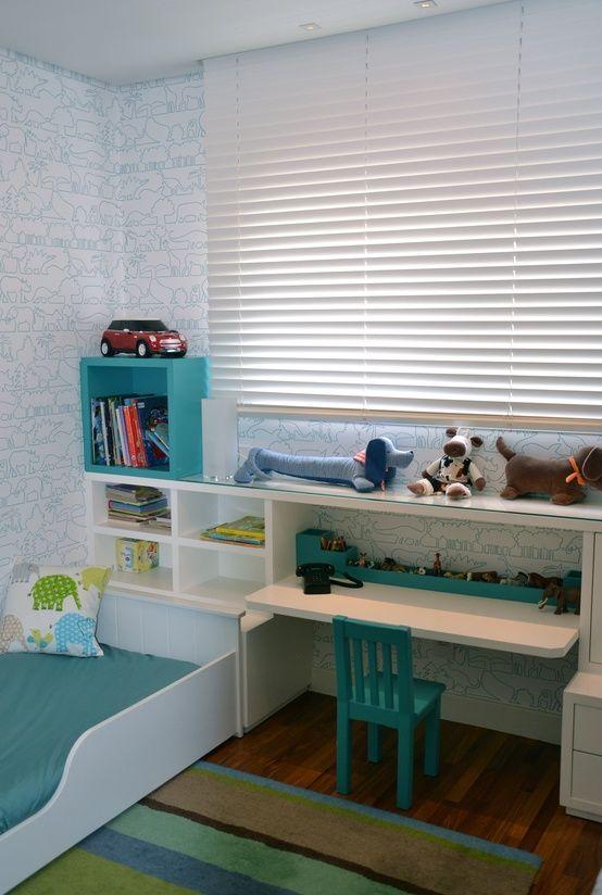 Escrivaninha infantil com cama