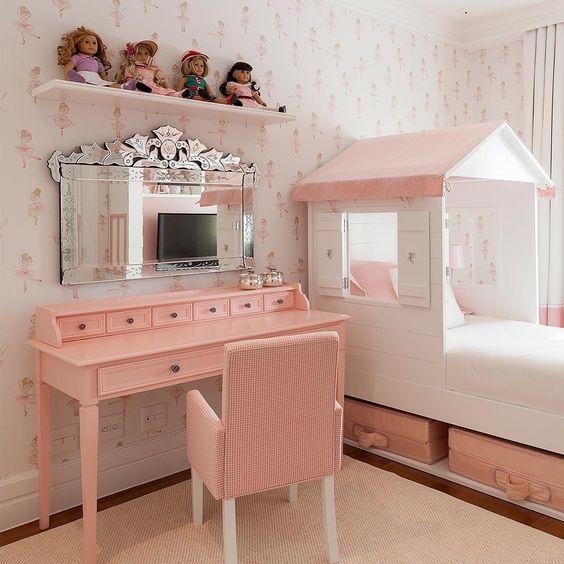 Escrivaninha infantil rosa com espelho
