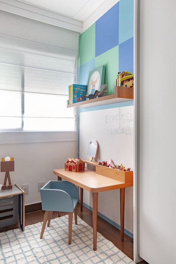 Escrivaninha infantil para quarto
