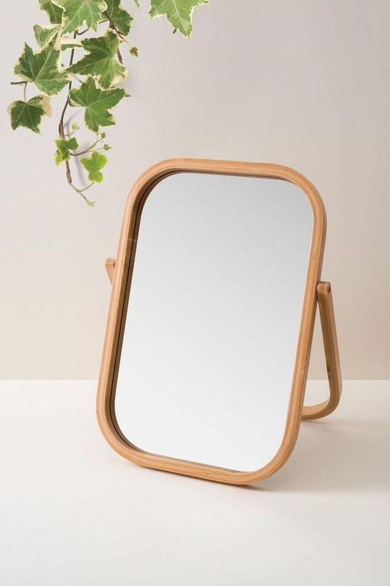 Espelho de mesa pequeno e moderno