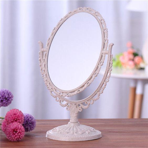 Use o espelho vintage para sua penteadeira na hora de fazer lindas maquiagens