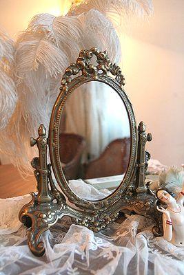 Espelho de mesa vintage romântico