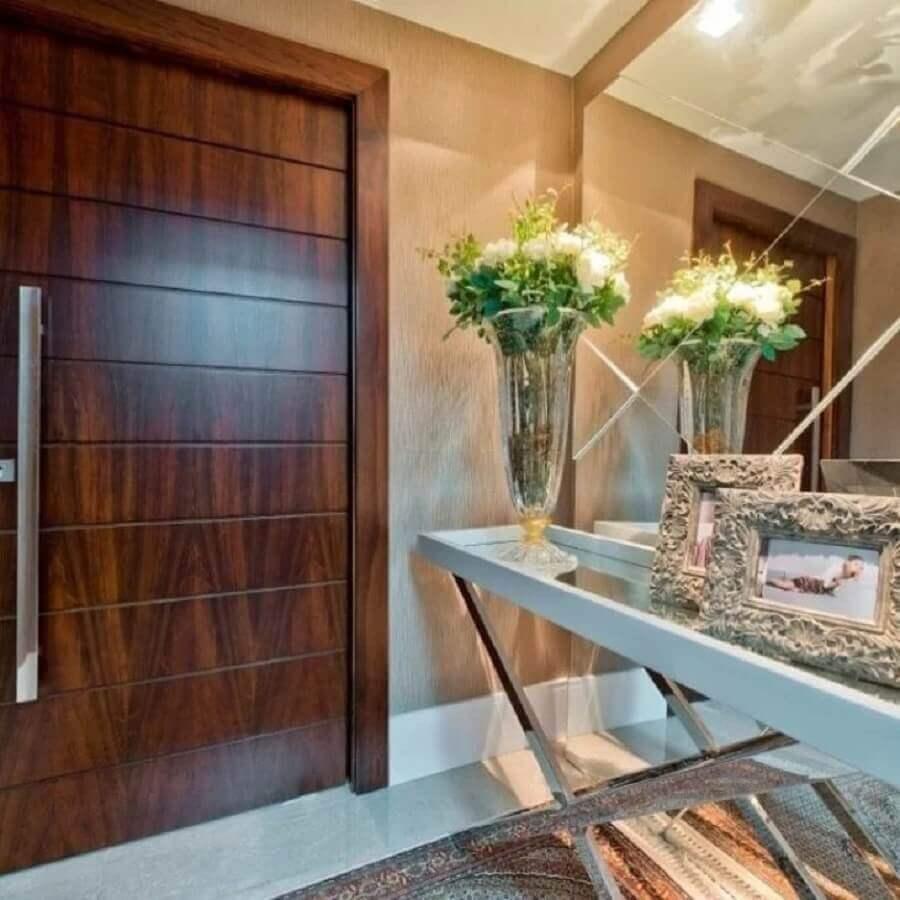 espelho sem moldura para hall de entrada com aparador moderno Foto Ana Claudia Marini Arquitetura