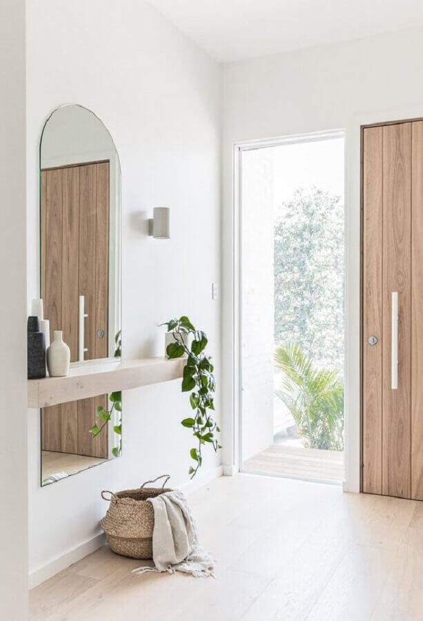 espelho sem moldura para hall de entrada minimalista Foto Apartment Therapy