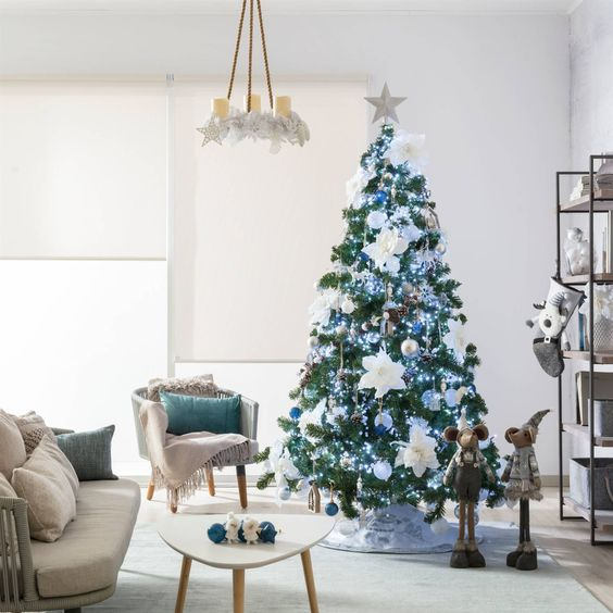 Estrela de natal no topo da árvore