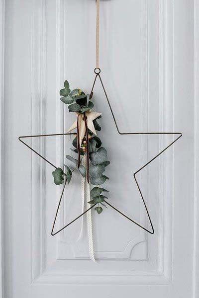 Estrela de natal na porta de entrada