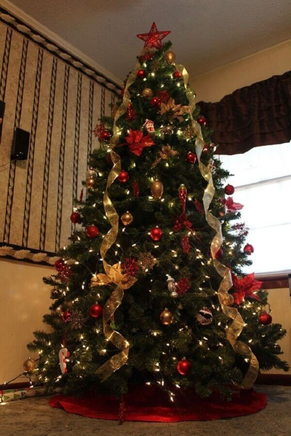 golden ribbons and red balls for big and full Christmas tree Photo Pinterest