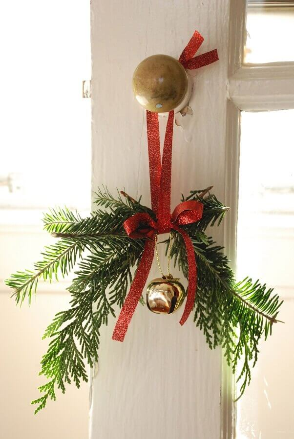 creative ideas christmas decoration with decoration on the door Photo Apartment Therapy