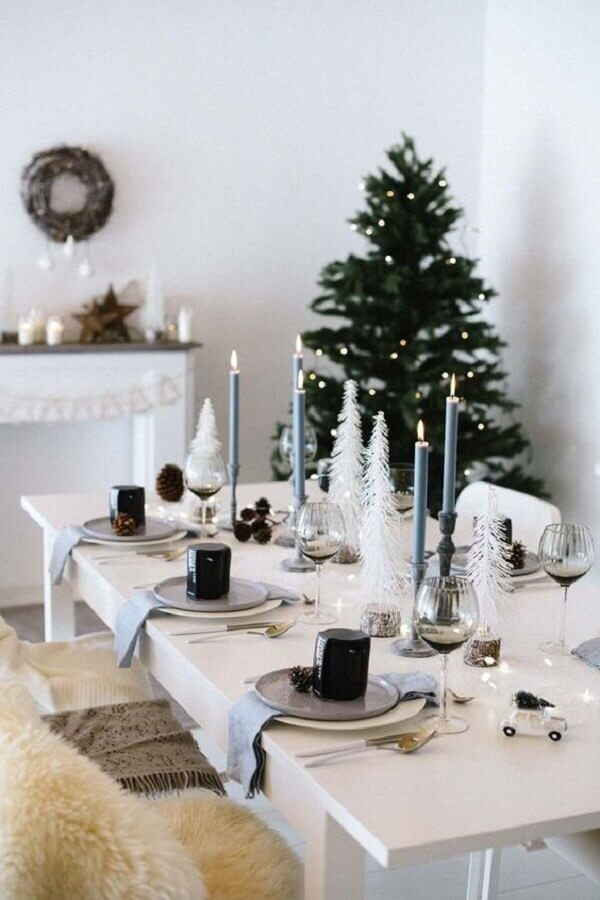Christmas decoration ideas for white and minimalist dining room Photo heiter & hurtig