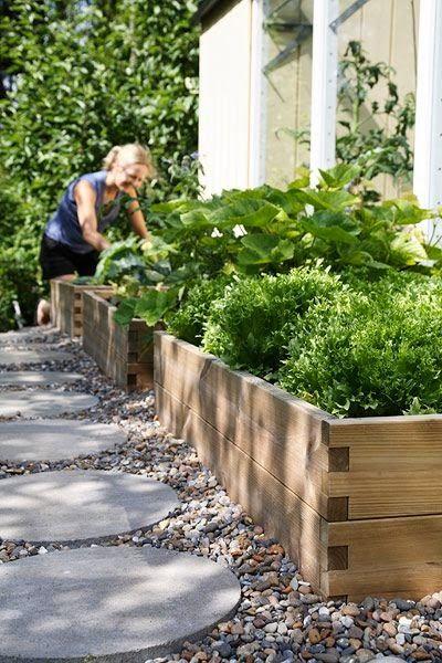 Jardim decorado com pedra seixo