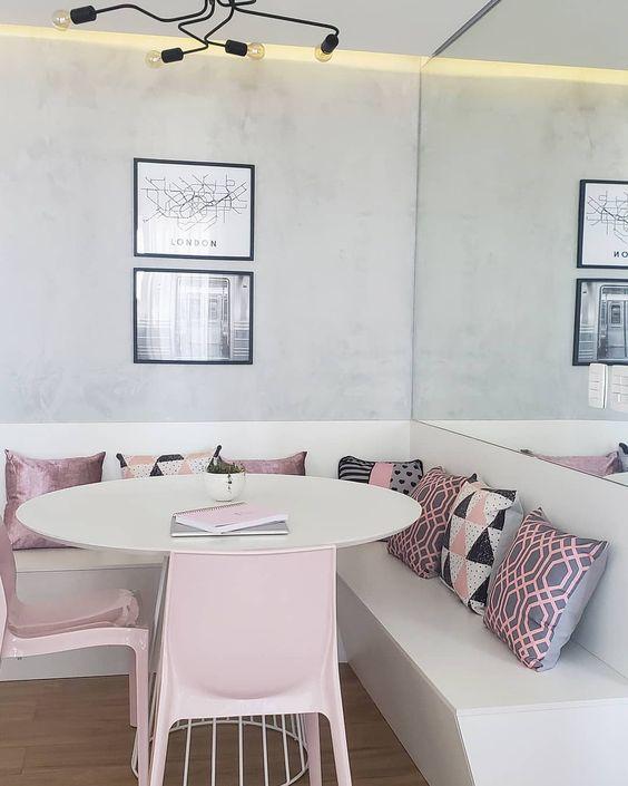 Mesa de canto alemão branco e rosa claro
