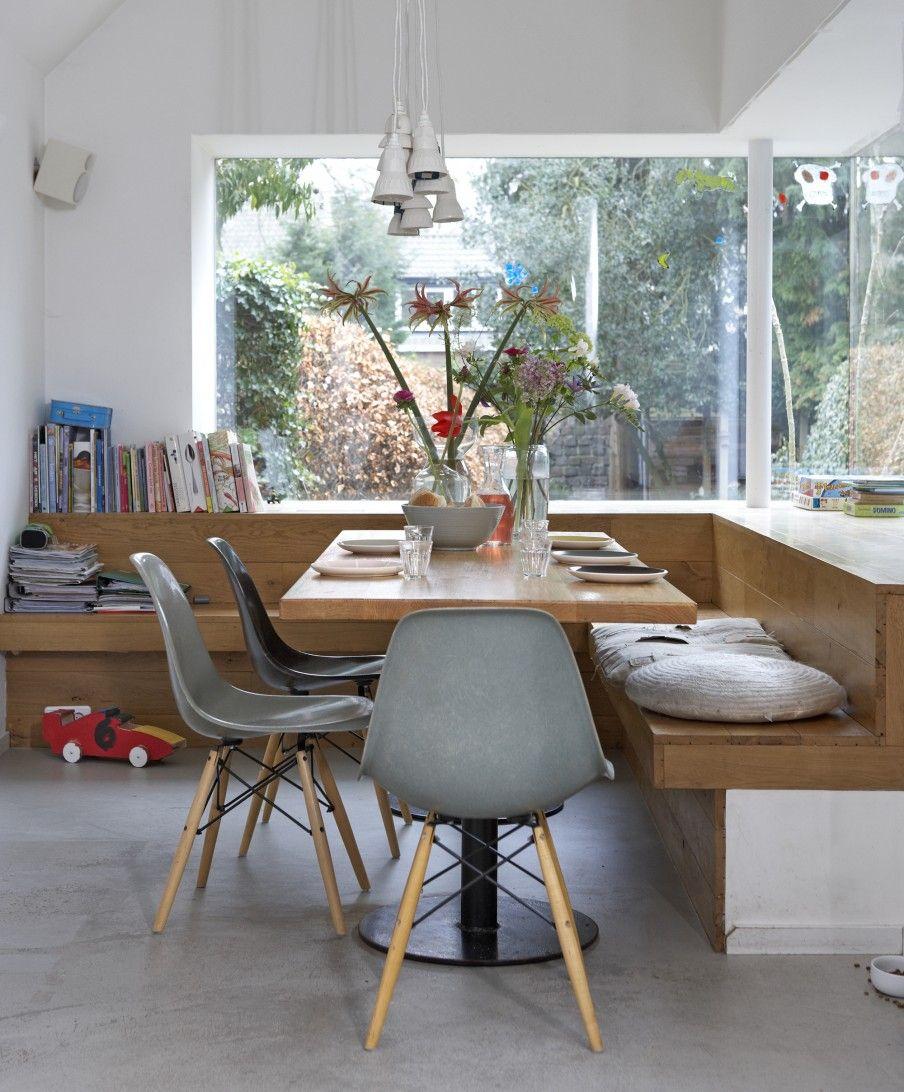 Mesa de canto alemão de madeira com cadeira eames