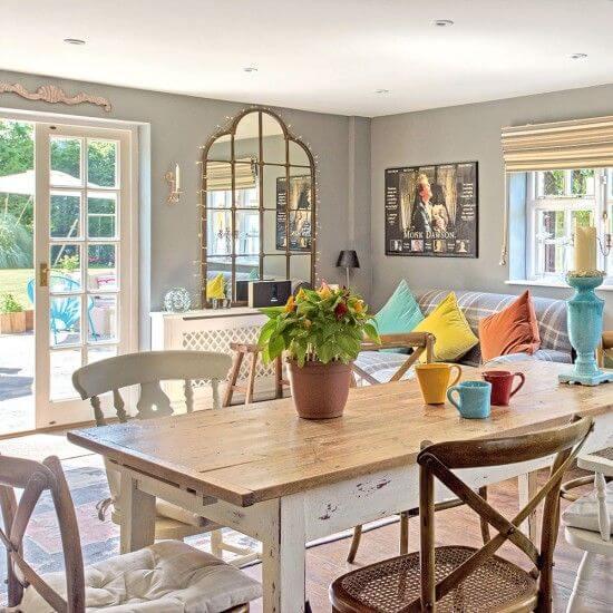 Mesa de jantar com cadeira paris de madeira e outros modelos