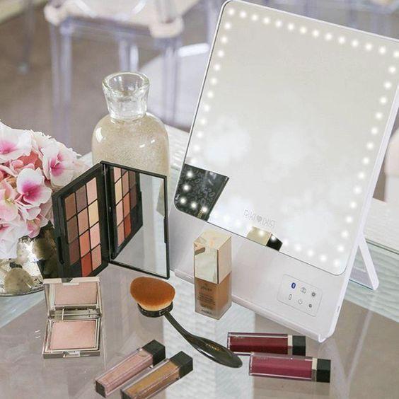 Mesa de maquiagem com espelho de led