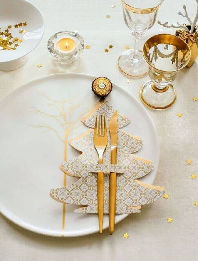 mesa natalina decorada branca e dourada Foto Christmas Glitter