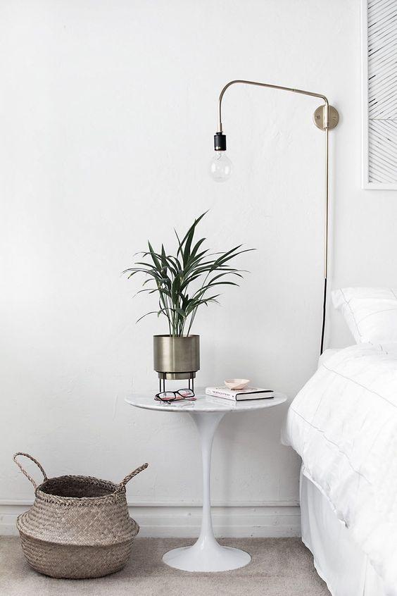 Mesa de cabeceira tulipa