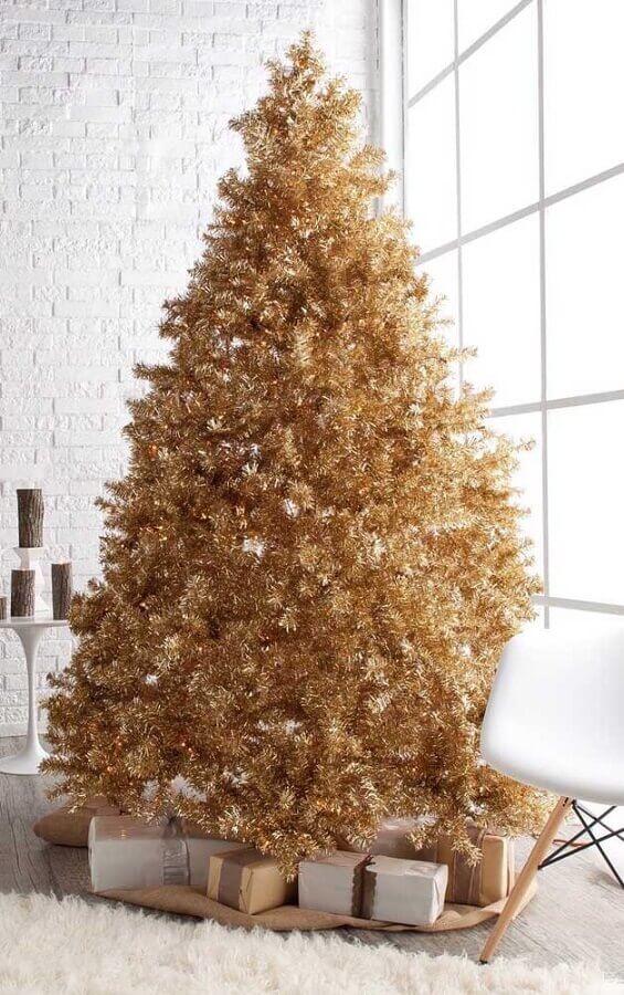 Modelo de árvore de natal diferente e dourada