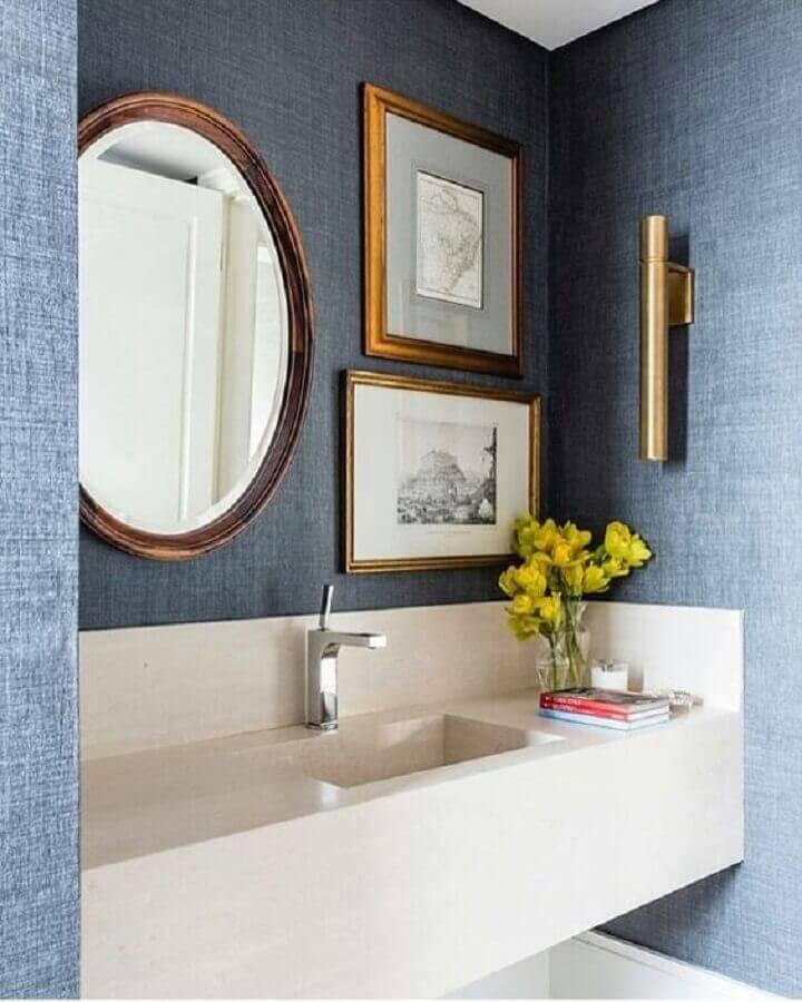 papel de parede para banheiro azul decorado com espelho redondo Foto Pinterest