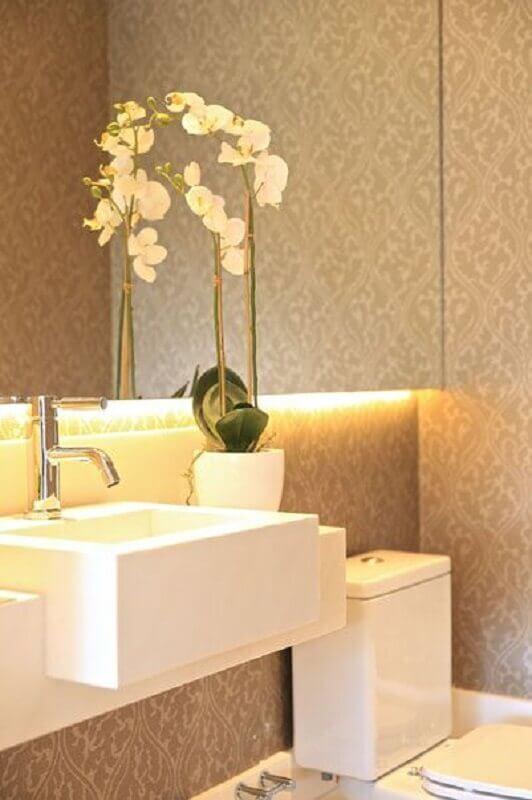 papel de parede para banheiro decorado em tons de bege  Foto Ideias Decor