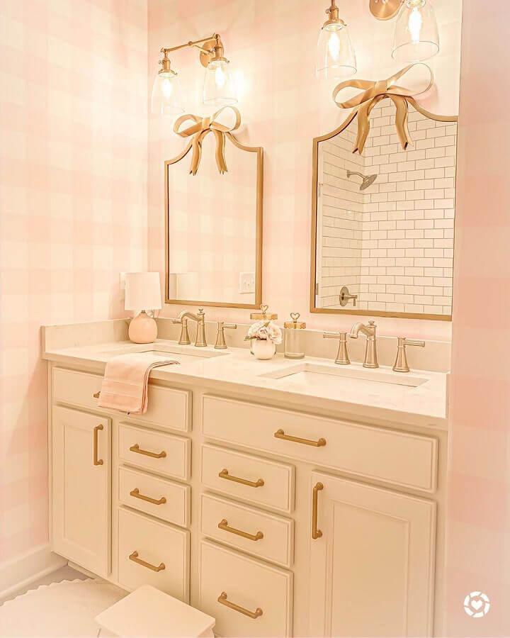 papel de parede para banheiro feminino cor de rosa claro  Foto Pinterest