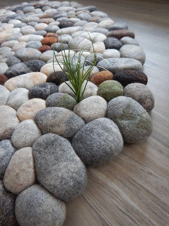 Tapete com pedra seixo