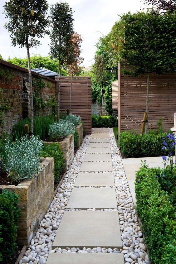 Jardim com pedra seixo