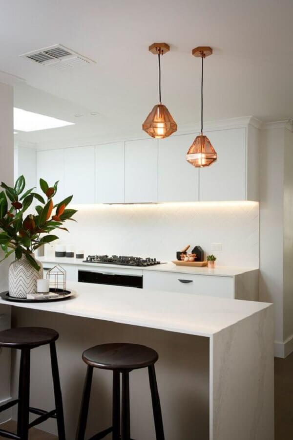 pendente para bancada de cozinha branca minimalista  Foto EstiloyDeco