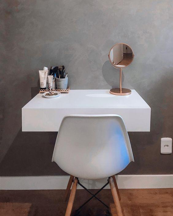 Penteadeira pequena com espelho de mesa