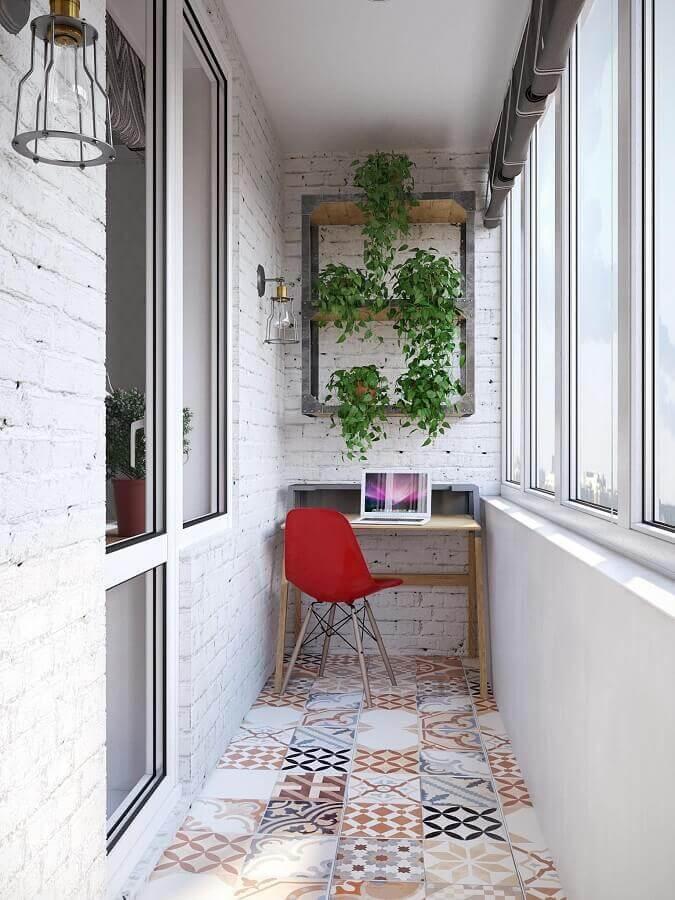 piso hidráulico para decoração simples com plantas para varanda pequena Foto Reciclar e Decorar