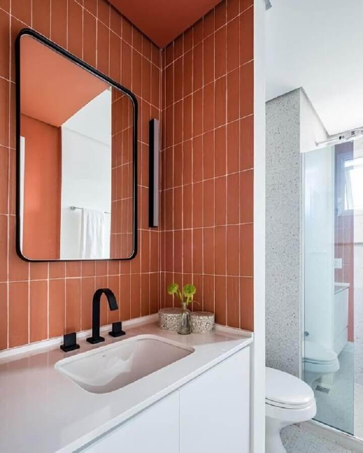 revestimento tons terrosos para decoração de banheiro  Foto Pinterest