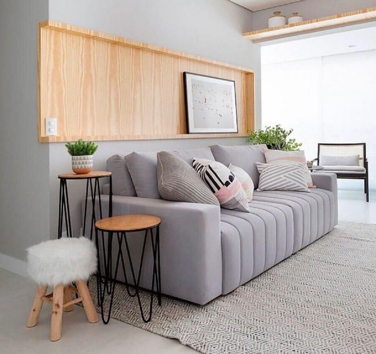 sala cinza moderna decorada com mesa redonda de canto Foto Pinterest