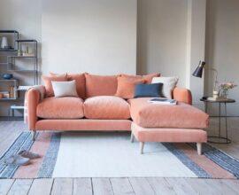 sala de estar simples decorada com sofá com chaise 3 lugares Foto Dicas Decor