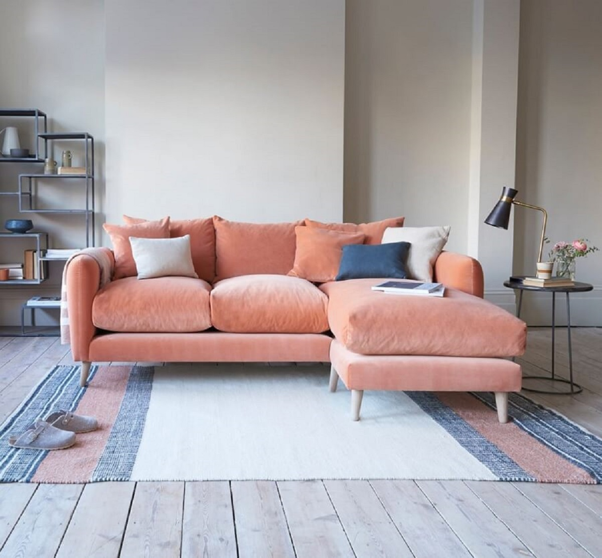 living simple is decorated with an sofa, with chaise 3 seater Photo Tips, Decor