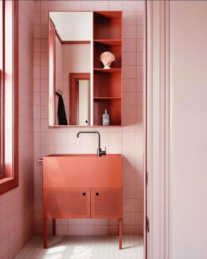 tons terrosos para decoração de banheiro com revestimento rosa  Foto Home Fashion Trend