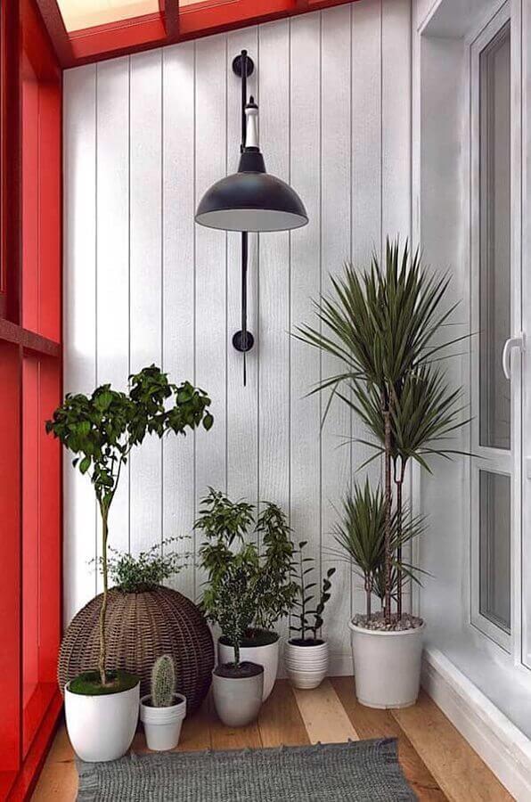 vasos de plantas para varanda pequena vermelha e branca  Foto Artesanato e Reciclagem