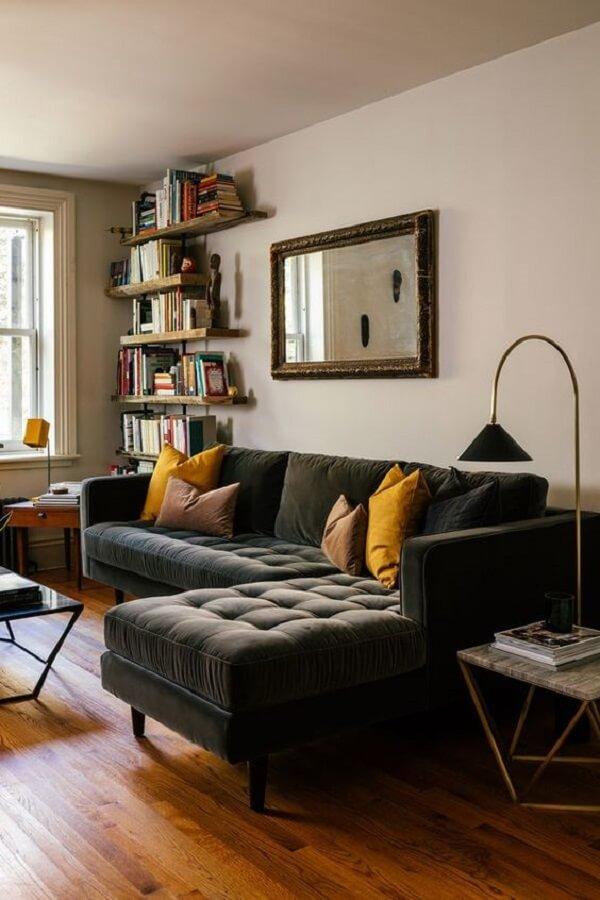Aproveite a versatildiade do sofá com baú