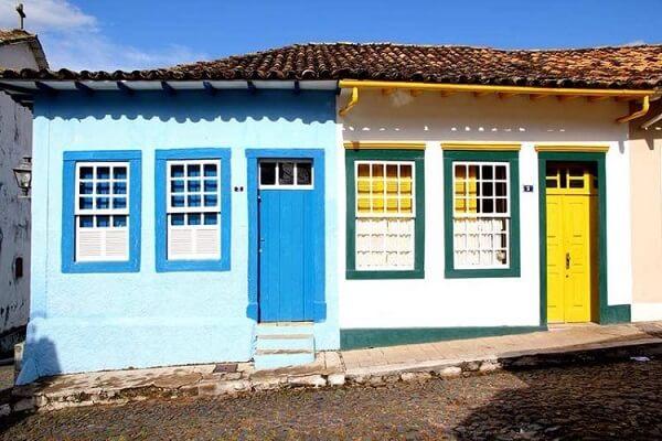 As janelas de guilhotina marcam presença nas casas coloniais