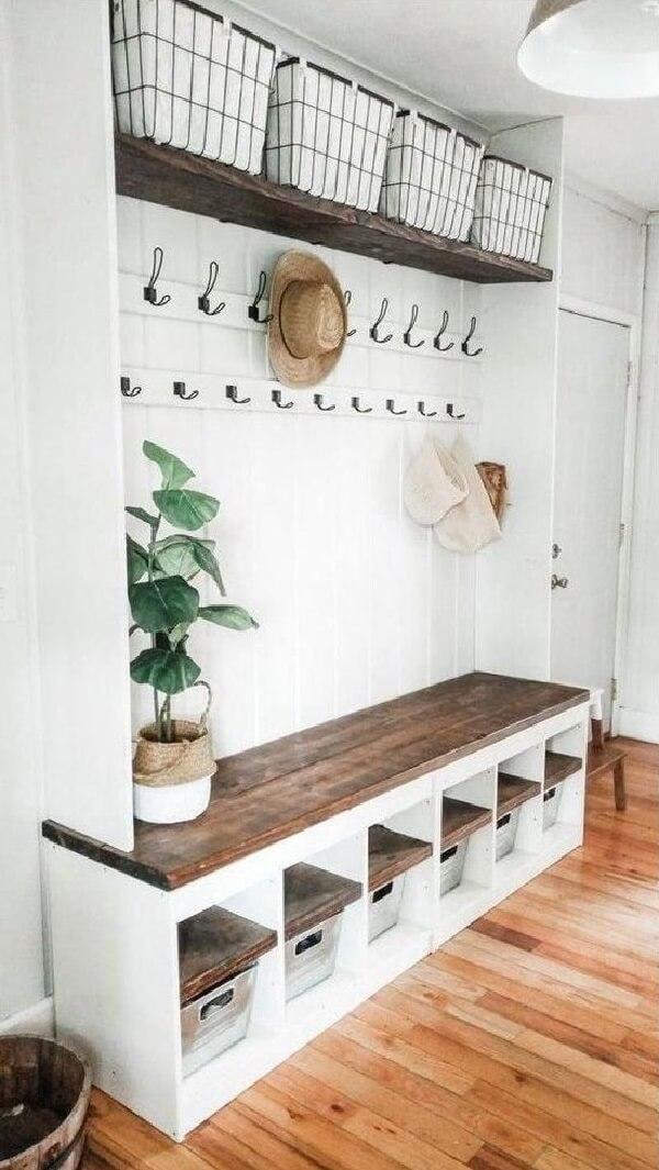 Decore o espaço com sapateiras para hall de entrada modernas