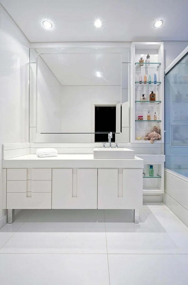 Espelho quadrado bisotado para o banheiro
