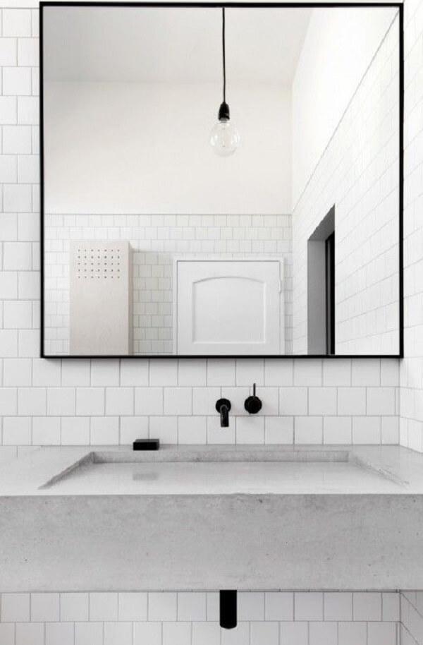 Espelho quadrado para banheiro minimalista
