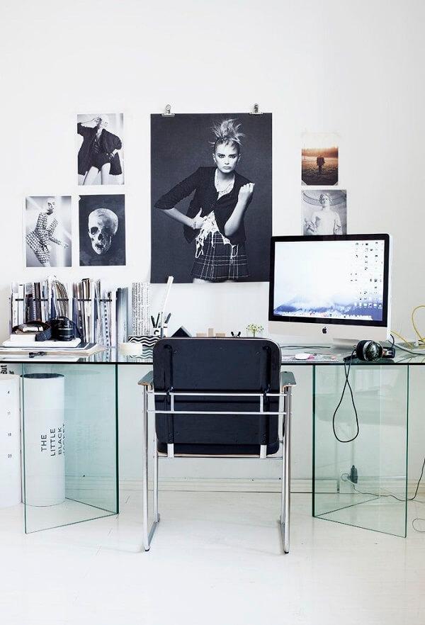 Inove na decoração e escolha uma mesa de vidro para escritório diferenciada