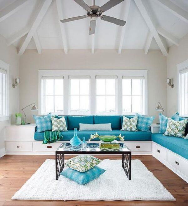Inove na decoração e opte pelo sofá baú