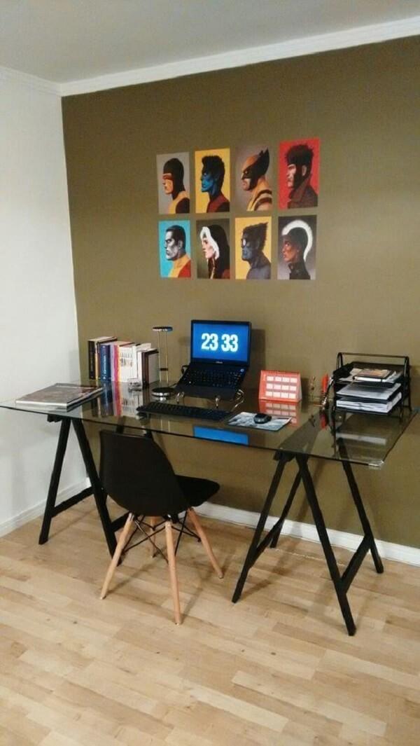 Mesa de vidro para escritório com base de cavalete