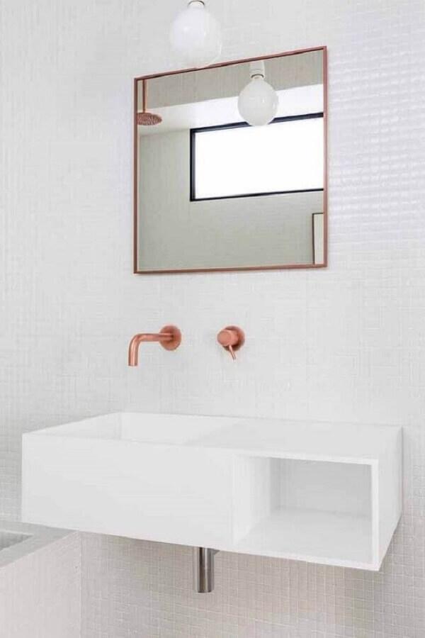Modelo simples de espelho decorativo quadrado para o banheiro