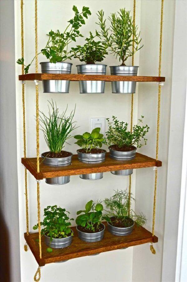 Modelo simples de vasos para horta suspensa